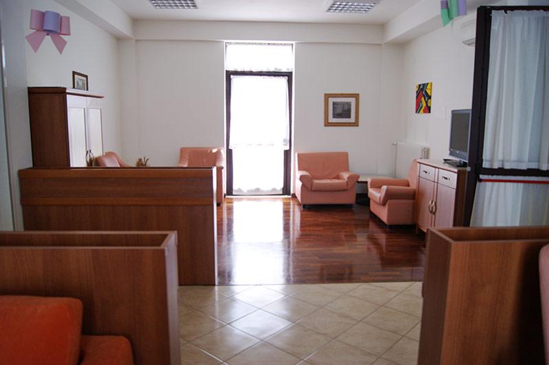 Miniappartamenti residenza caterina for Mini appartamenti arredati giugliano